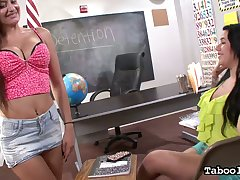 Two juggy students give go beyond a thus far tugjob together with titjob give hot POV scene