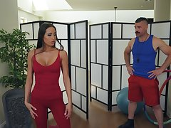 Desiree Dulce loves hard sex increased by standing doggy is her favorite pose