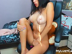 Nasty Brunette Dumpster Rubbing It With Say no to Long Fingers