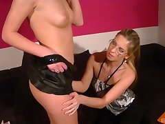 Emulate blowjob action by Leony Spark increased by an amateur blonde